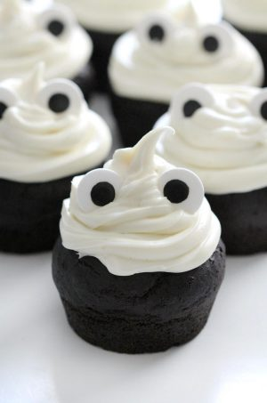 cute ghost cupcakes with eyes